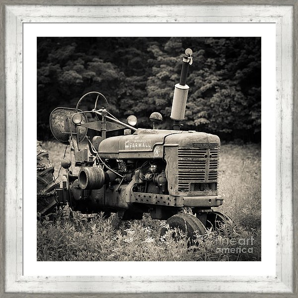 The old tractor farmhouse art