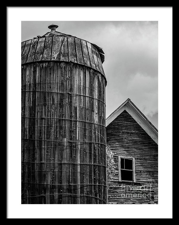 Texas farm barn and silo